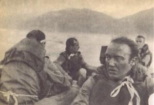 """Наемники в штуромовой лодке. Фото из книги """"Дело Бернда К."""""""
